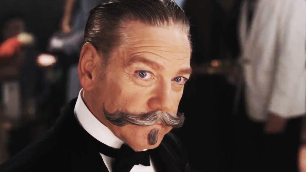 Kenneth Branagh interpreta il detective Poirot