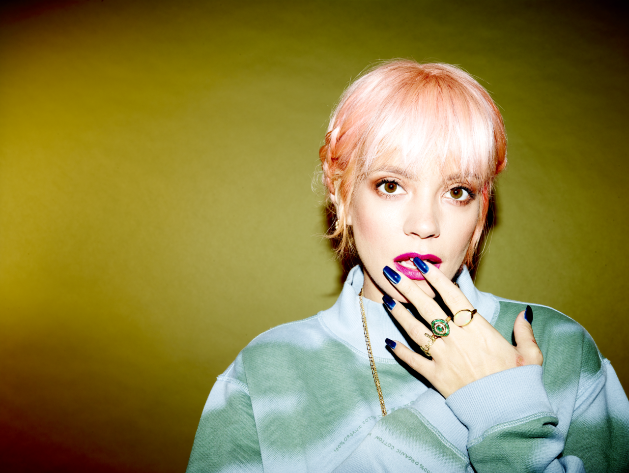 """My Thoughts Exactly"": la vita di Lily Allen"