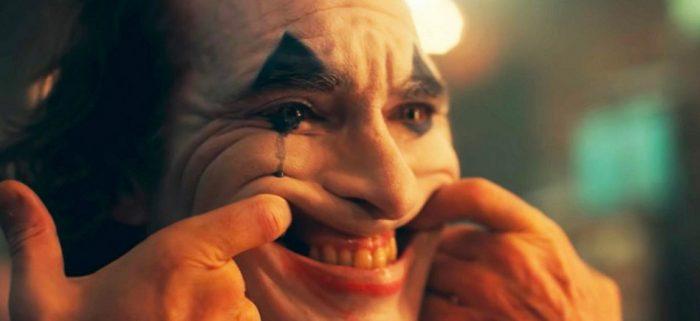 JOKER: la maschera che rivela le problematiche sociali